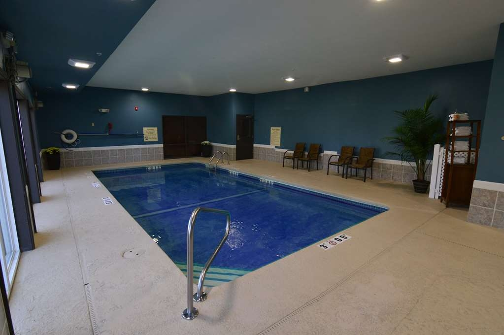 Best Western Plus Lee's Summit Hotel & Suites - Take a dip in our Indoor Pool