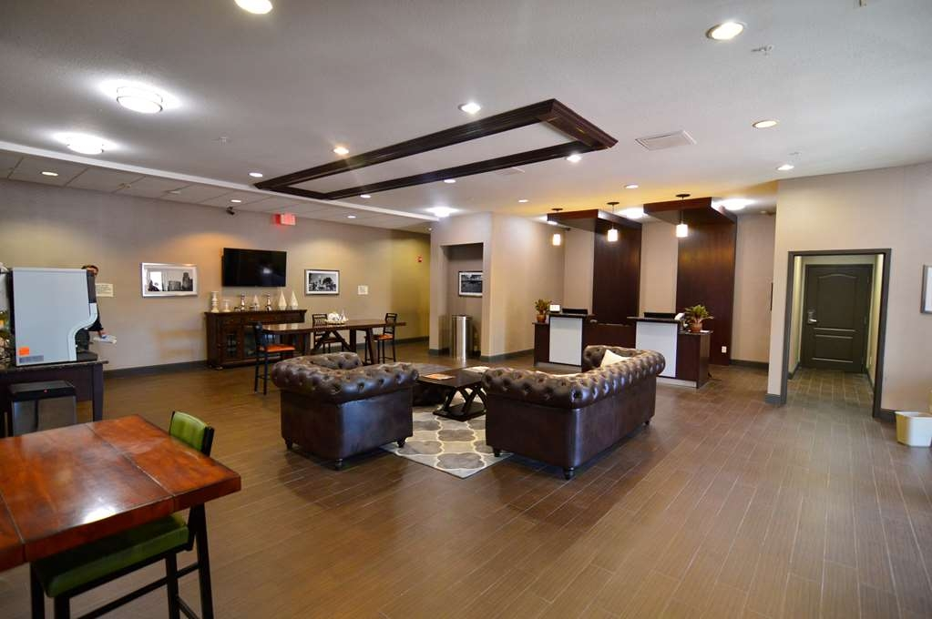 Best Western Plus Lee's Summit Hotel & Suites - Start your trip with a visit to our Lobby