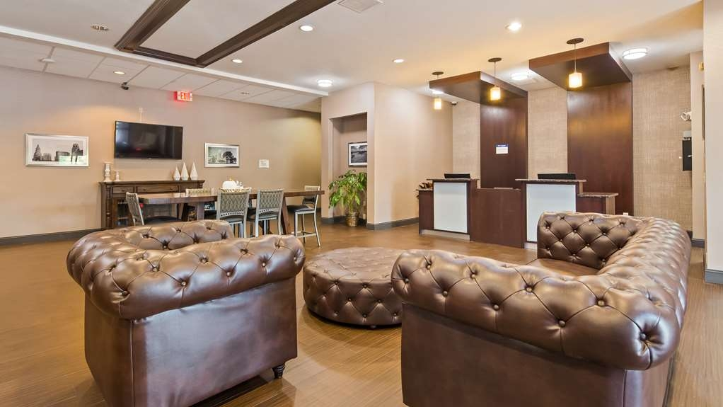 Best Western Plus Lee's Summit Hotel & Suites - Take a seat and relax.