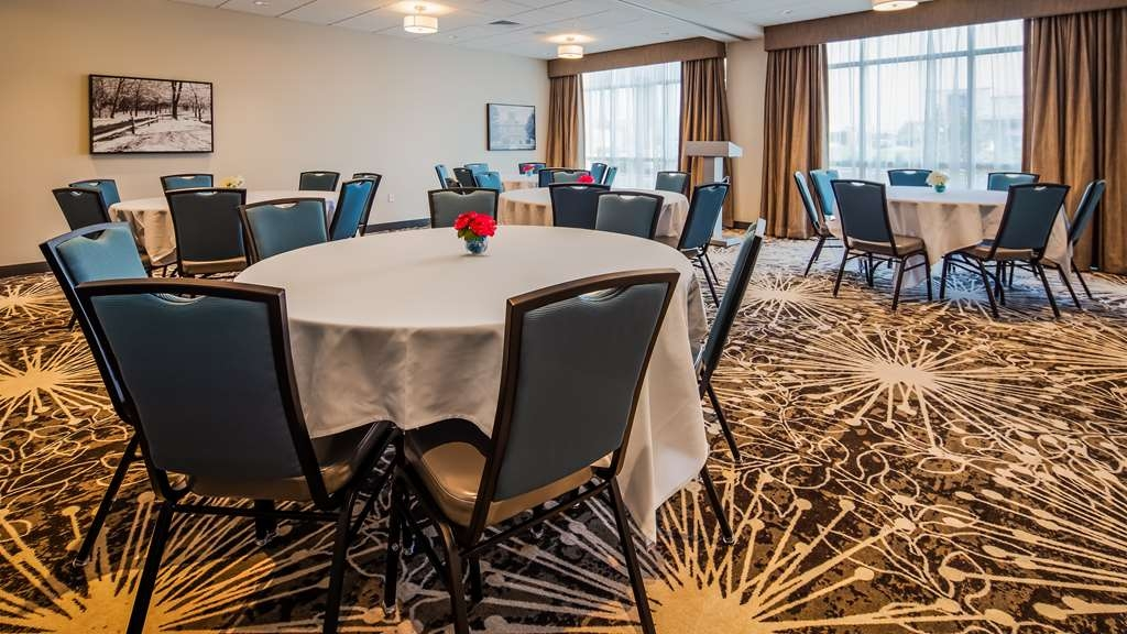 Best Western Plus Bolivar Hotel & Suites - Meeting Room