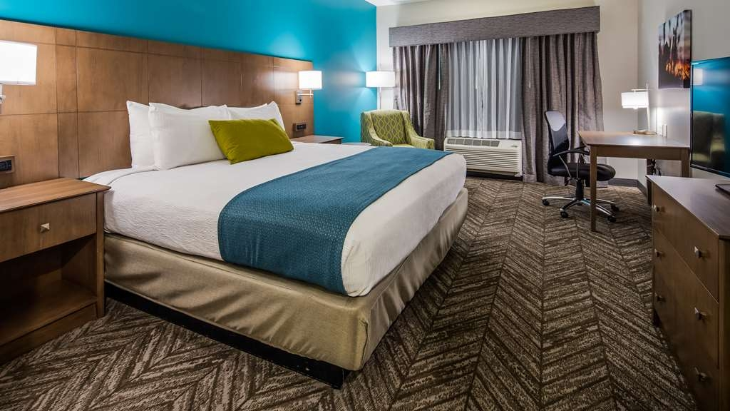 Best Western Plus Bolivar Hotel & Suites - King Guest Room