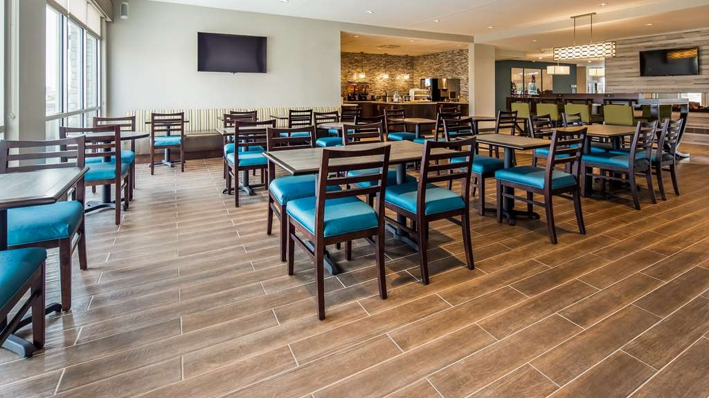 Best Western Plus Bolivar Hotel & Suites - Breakfast Dining Area