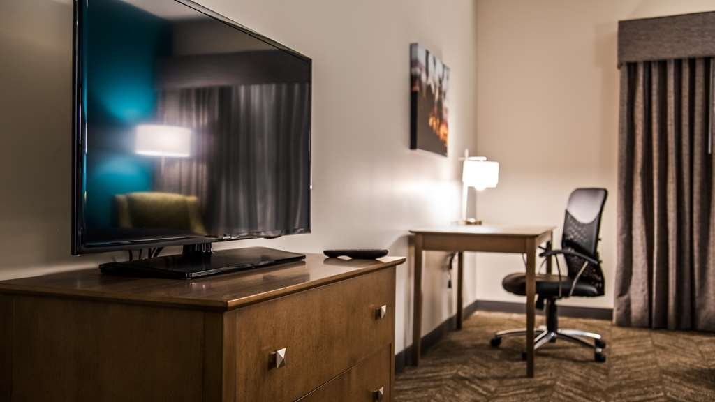 Best Western Plus Bolivar Hotel & Suites - Double Queen Guest Room