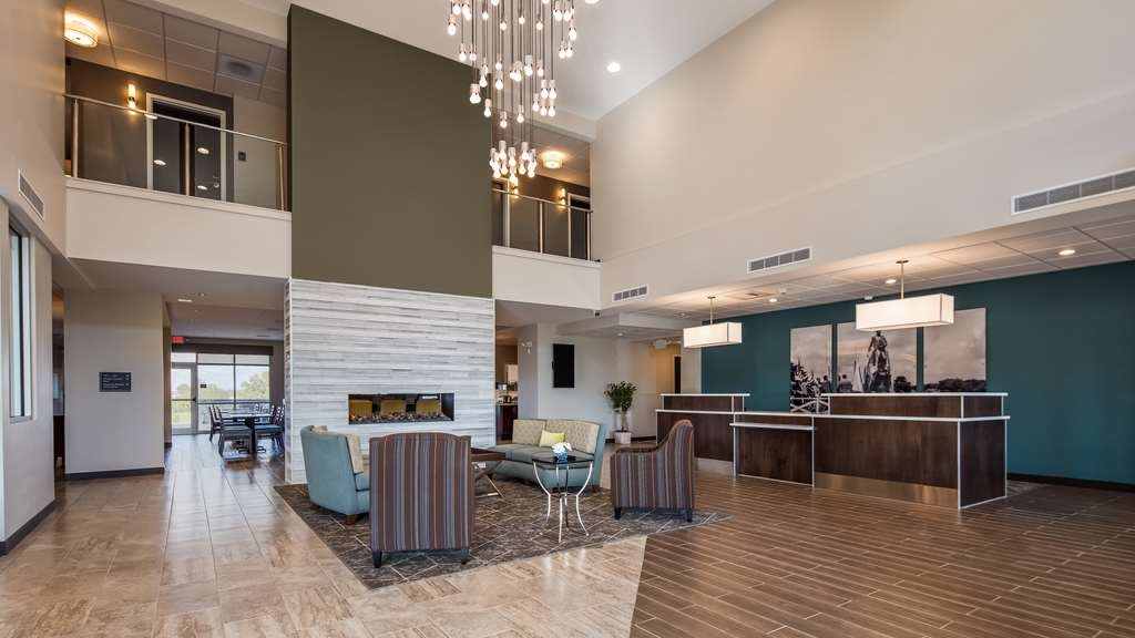 Best Western Plus Bolivar Hotel & Suites - Lobby view