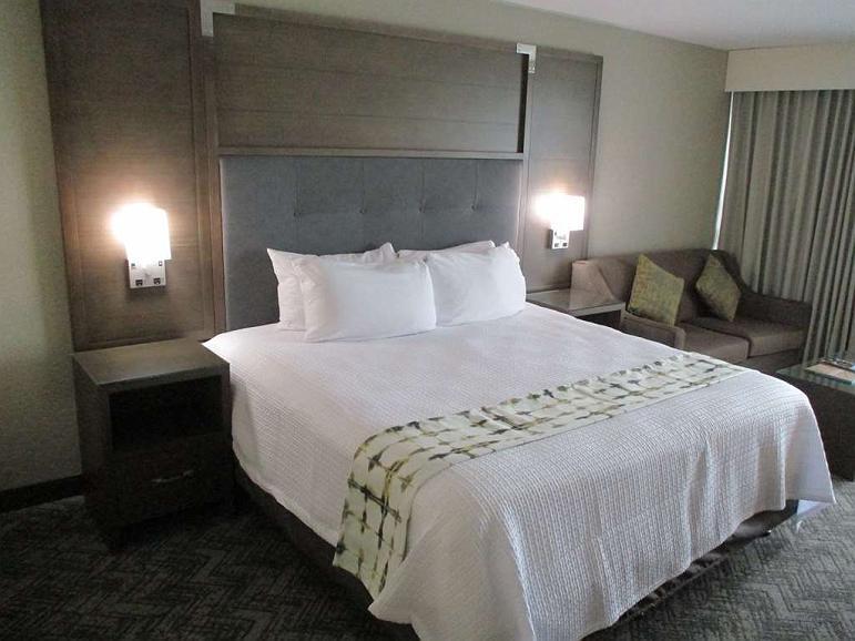 Best Western Premier Kansas City Sports Complex Hotel - Gaestezimmer