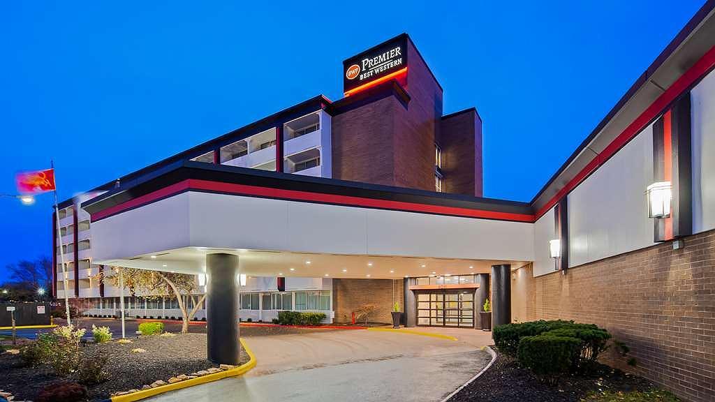 Best Western Premier Kansas City Sports Complex Hotel - Vista exterior