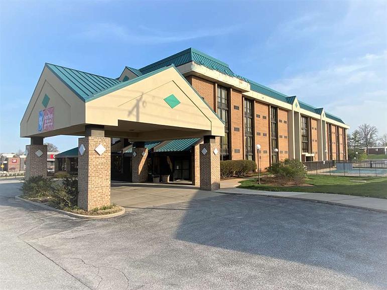 SureStay Plus Hotel by Best Western St. Louis Westport - Aussenansicht