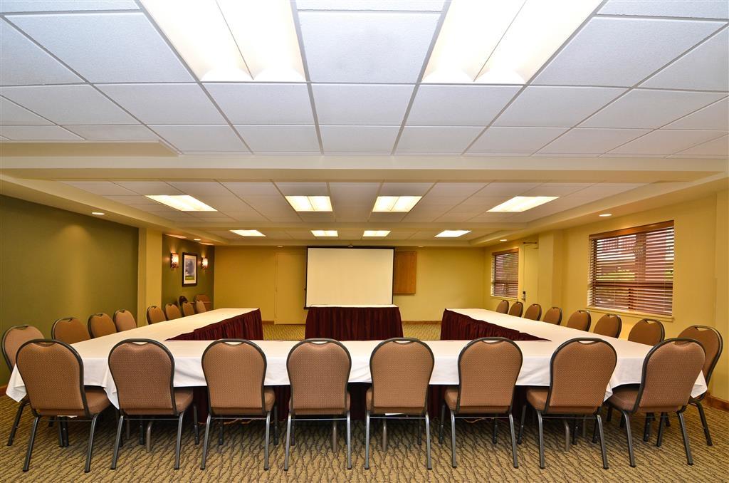 Best Western Plus Clocktower Inn - Meeting Room