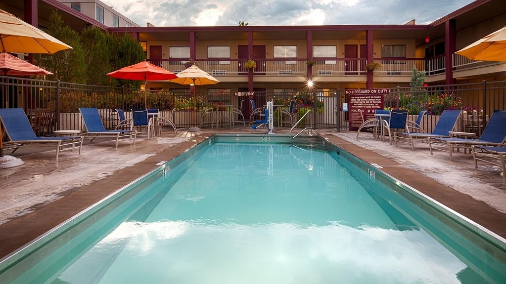 Best Western Plus Clocktower Inn - Outdoor Swimming Pool