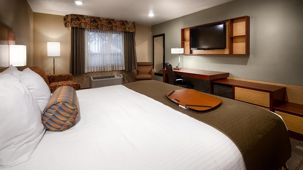 Best Western Plus Clocktower Inn - Queen Bed Guest Room