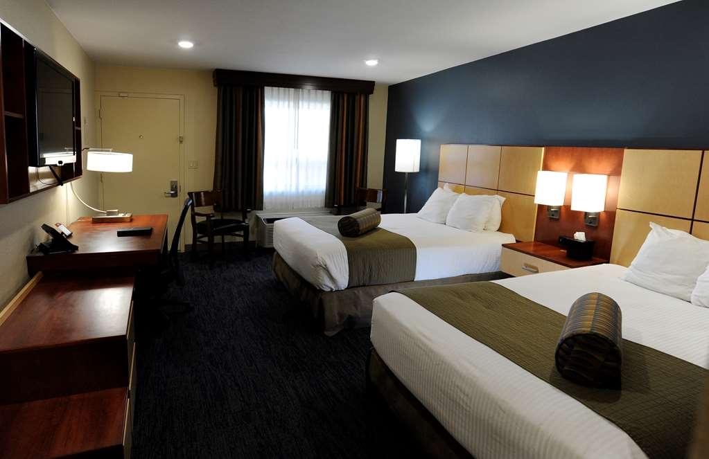 Best Western Plus Clocktower Inn - Two Queen Bed Guest Room