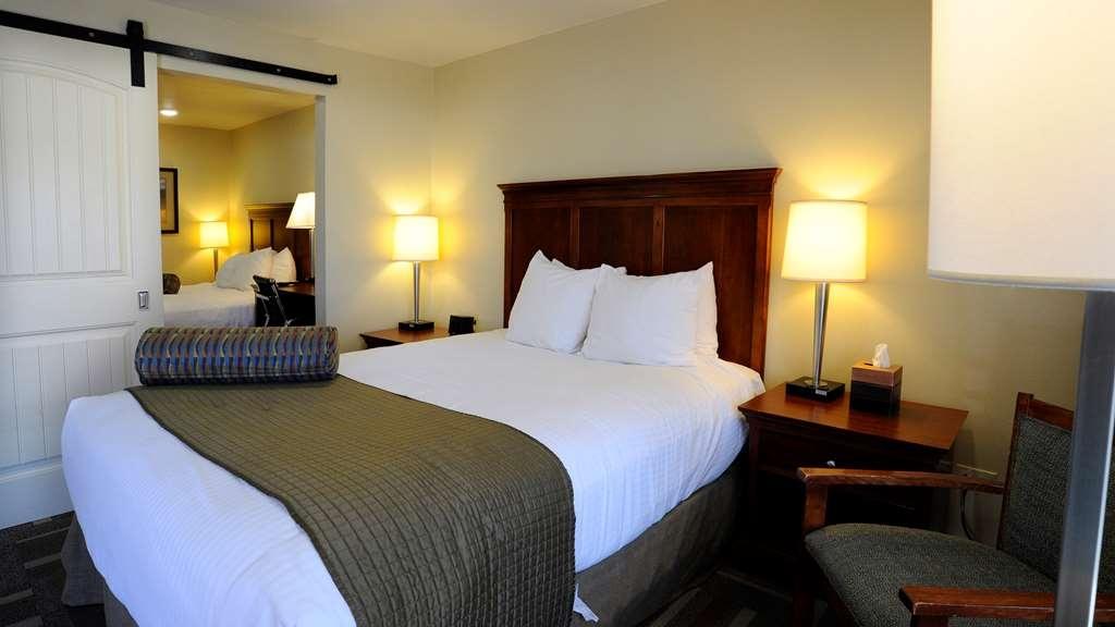 Best Western Plus Clocktower Inn - Double Queen Room