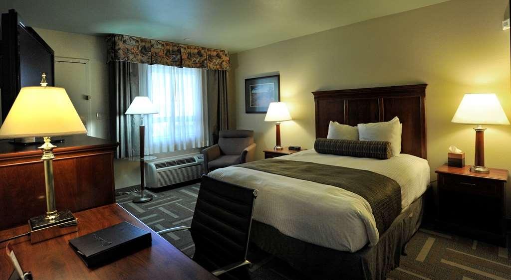 Best Western Plus Clocktower Inn - Standard Single Queen Room