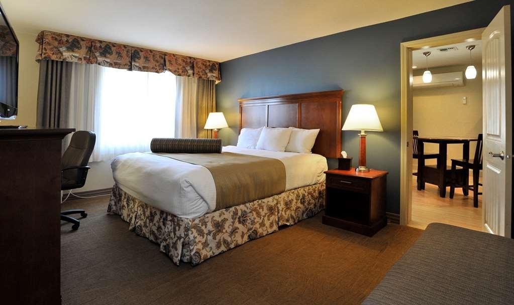 Best Western Plus Clocktower Inn - King Suite Private Bedroom