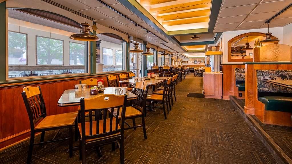 Best Western Plus Clocktower Inn - Breakfast Area