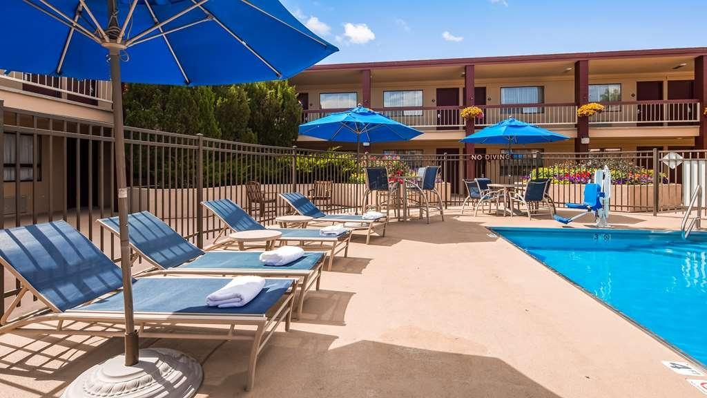 Best Western Plus Clocktower Inn - Vista de la piscina
