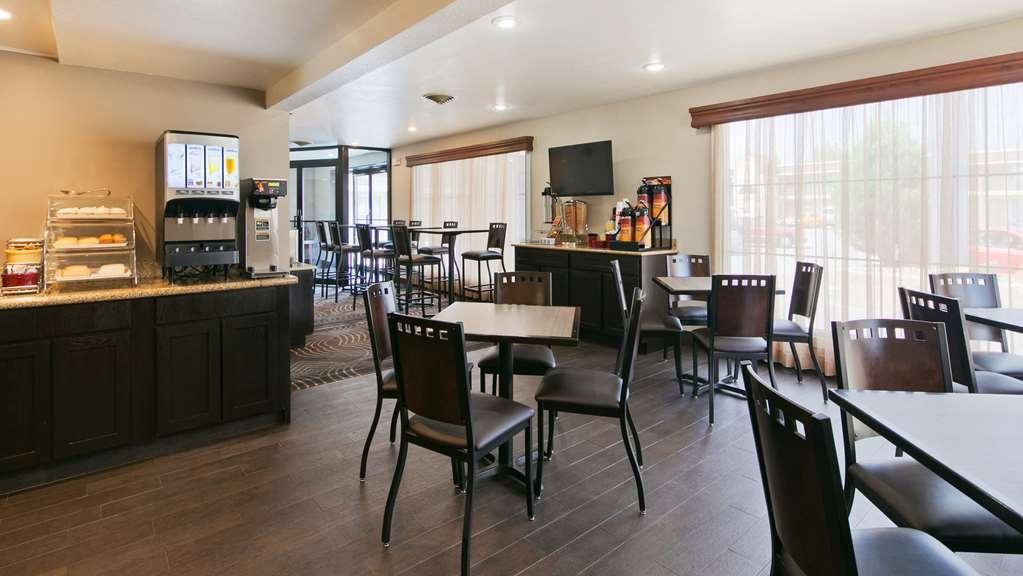Best Western War Bonnet Inn - Breakfast Area