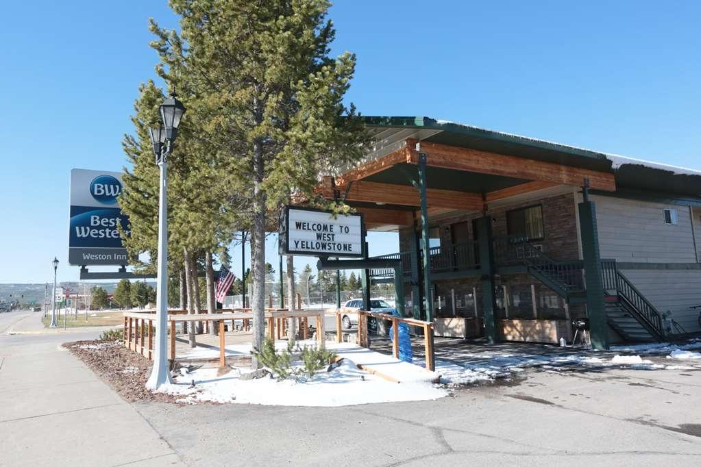 Best Western Weston Inn - Deck/Outdoor Seating