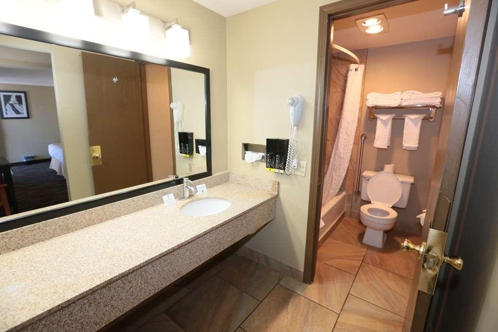 Best Western Weston Inn - Two Queen Room