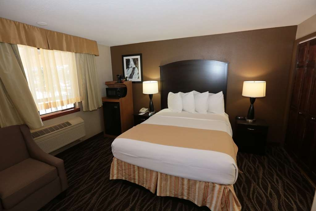 Best Western Weston Inn - One Queen Room