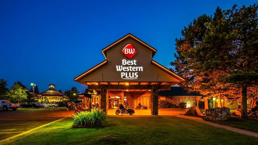 Best Western Plus GranTree Inn - Außenansicht