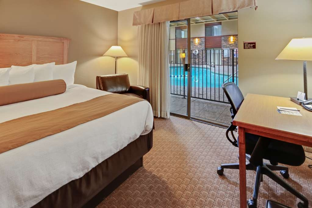 Best Western Plus GranTree Inn - King Pool-side Room, Non-Smoking, High Speed Internet Access, Microwave And Refrigerator.