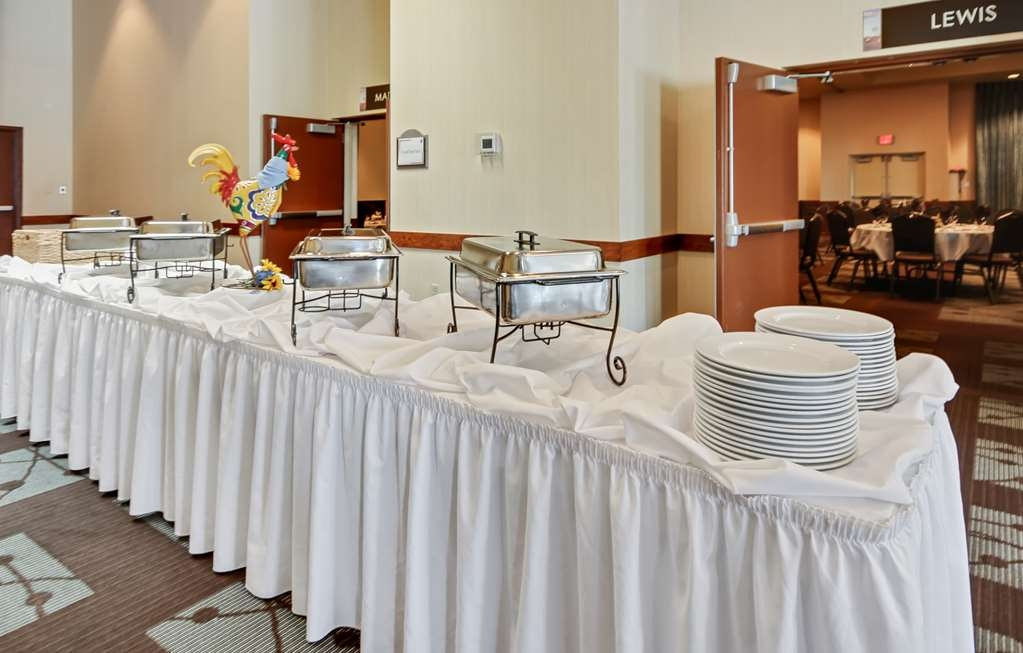 Best Western Plus GranTree Inn - Whether you need a theatre, classroom, banquet or reception setting we can accommodate your next event.