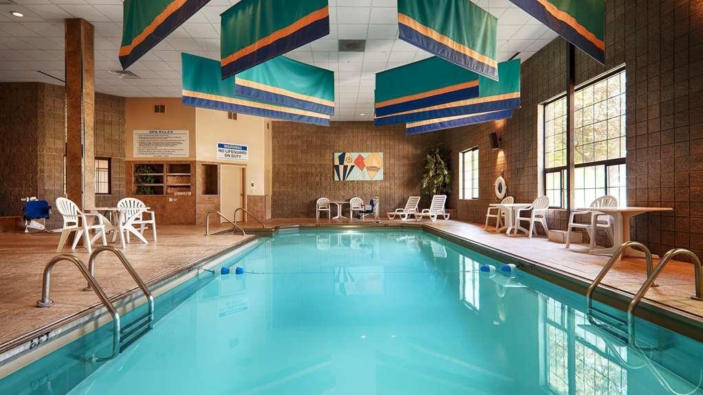 Best Western Plus Butte Plaza Inn - piscina cubierta