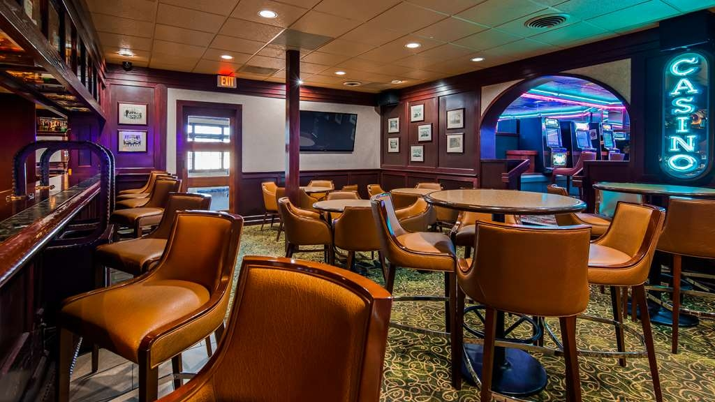 Best Western Plus Butte Plaza Inn - Bar / Lounge