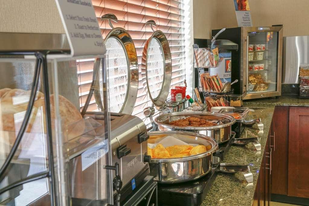 Best Western Rocky Mountain Lodge - Desayuno Buffet