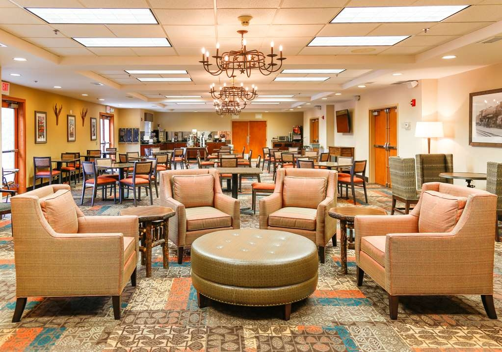 Best Western Rocky Mountain Lodge - Sala de desayunos
