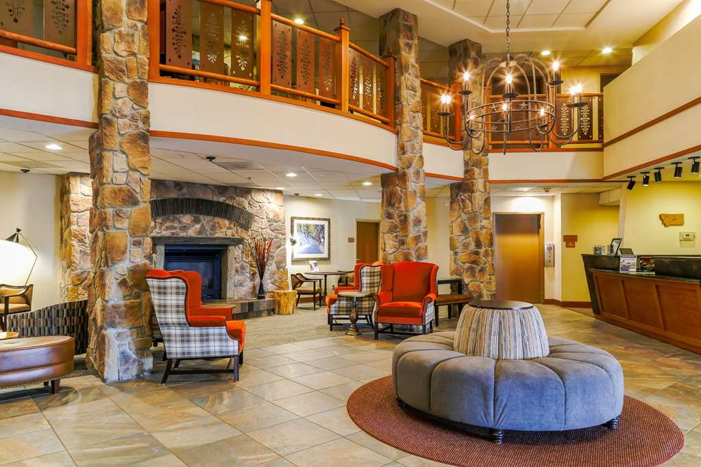 Best Western Rocky Mountain Lodge - Hotel Lobby