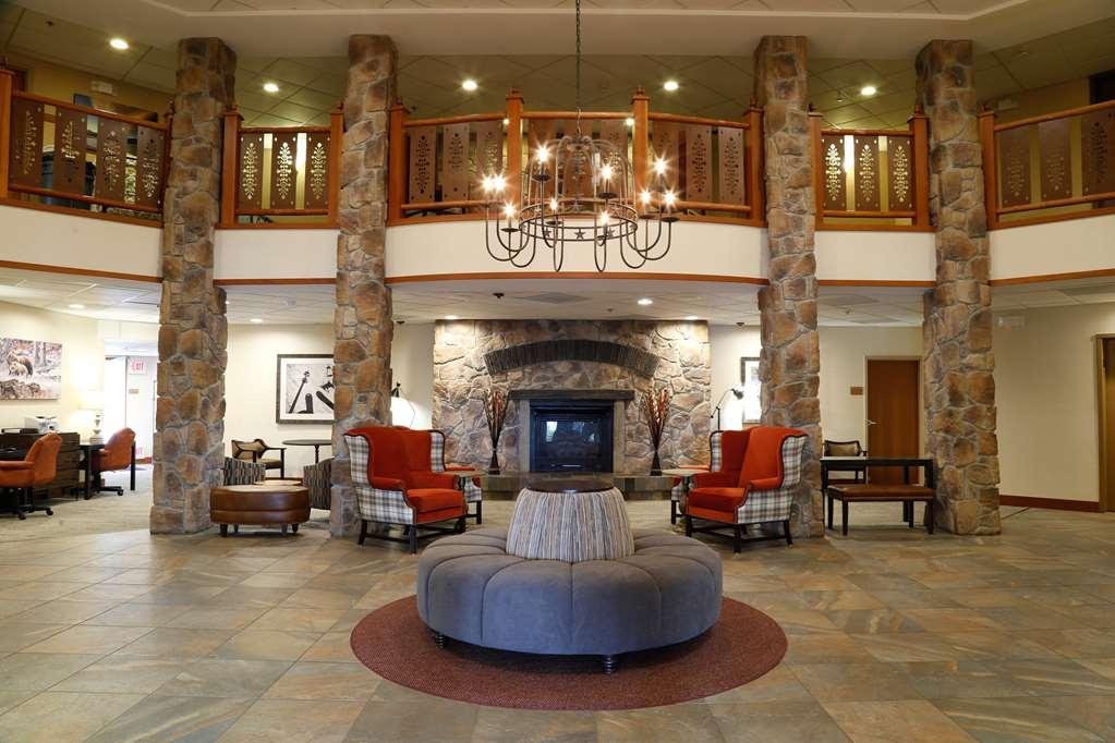 Best Western Rocky Mountain Lodge - Vista del vestíbulo