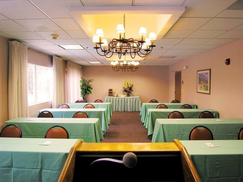 Best Western Rocky Mountain Lodge - Ququski Meeting Room