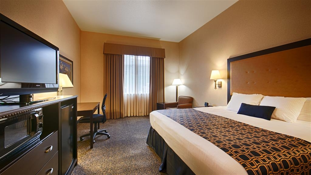 Best Western Plus Grant Creek Inn - Our spacious room with one king bed has all the comforts of home at your fingertips.