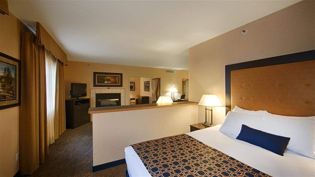 Best Western Plus Grant Creek Inn - Have the perfect family trip in Missoula, MT and stay in our king/queen suite.
