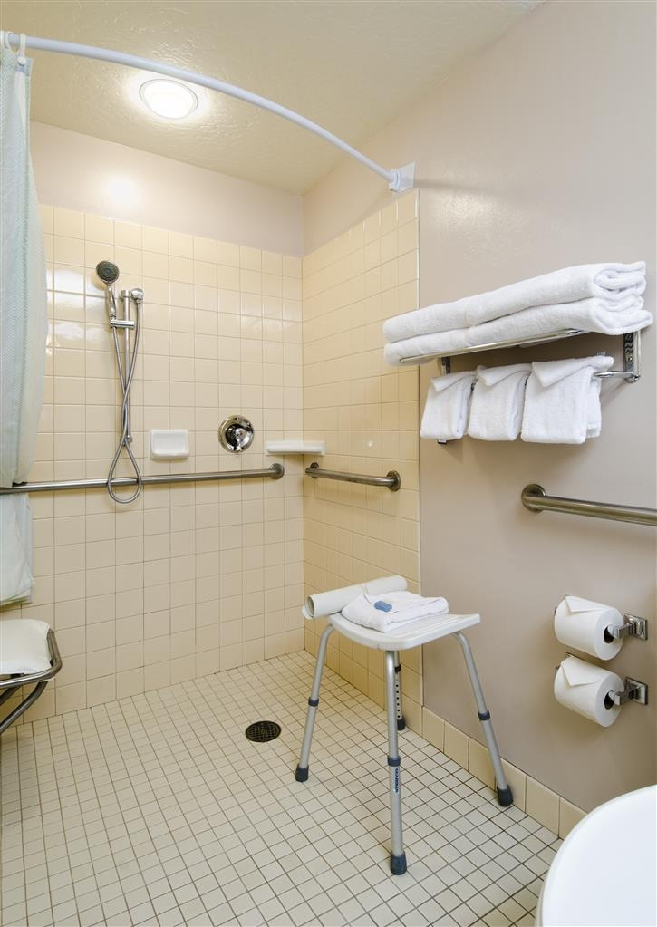 Best Western Plus Grant Creek Inn - Mobility Accessible Bathroom with Roll-in Shower
