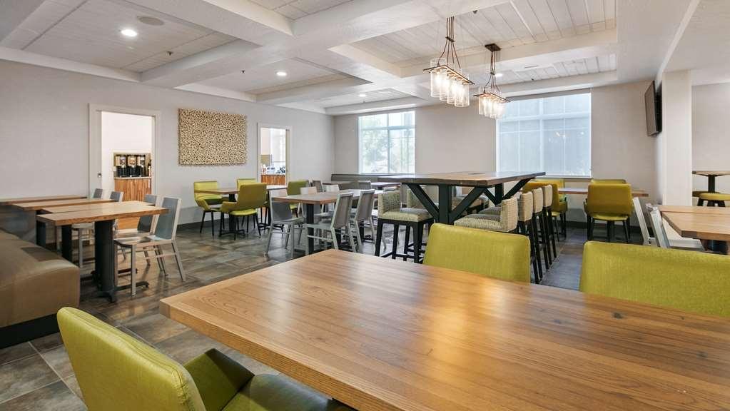 Best Western Plus Grant Creek Inn - Restaurant / Etablissement gastronomique