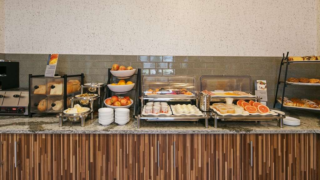 Best Western Plus Grant Creek Inn - Kick-start your morning with a complimentary hot breakfast at the BEST WESTERN PLUS Grant Creek Inn.