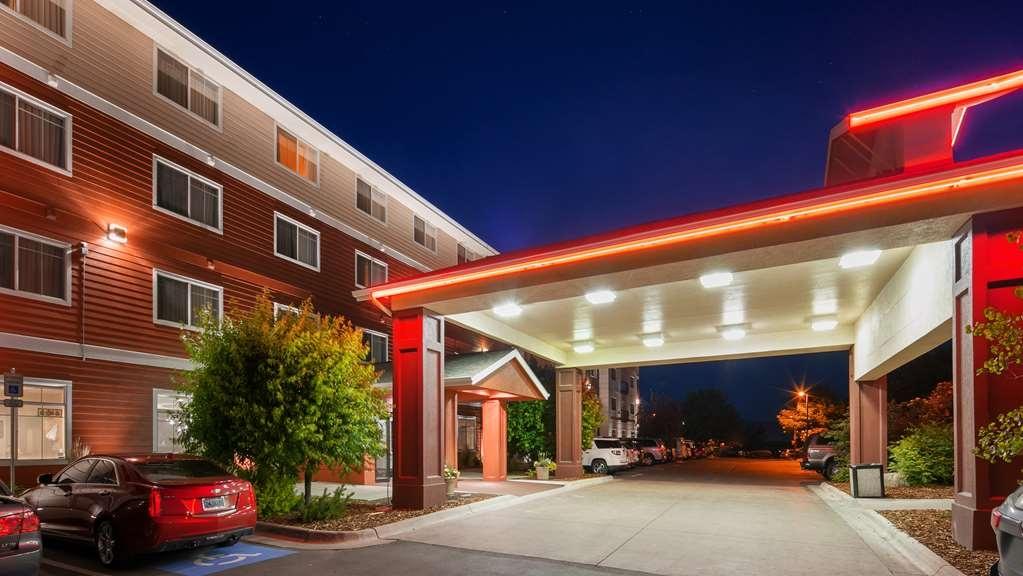 Best Western Plus Grant Creek Inn - Façade
