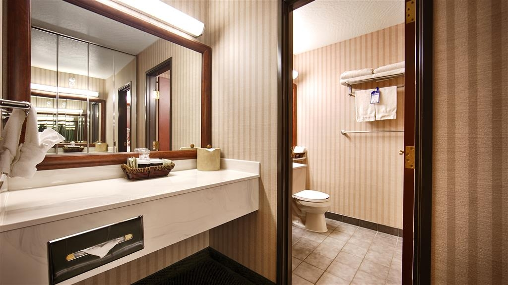 Best Western Plus Great Northern Inn - Baño