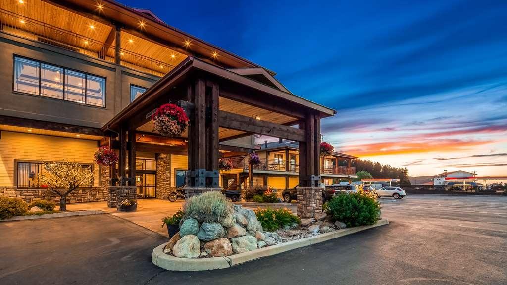 Best Western Plus Flathead Lake Inn and Suites - Außenansicht