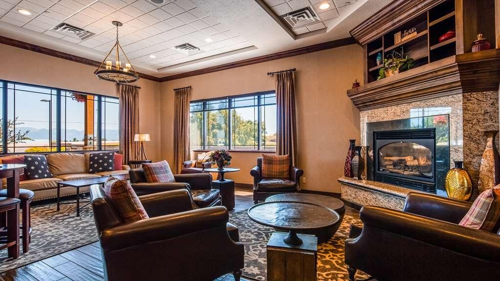 Best Western Plus Flathead Lake Inn and Suites - Lobbyansicht
