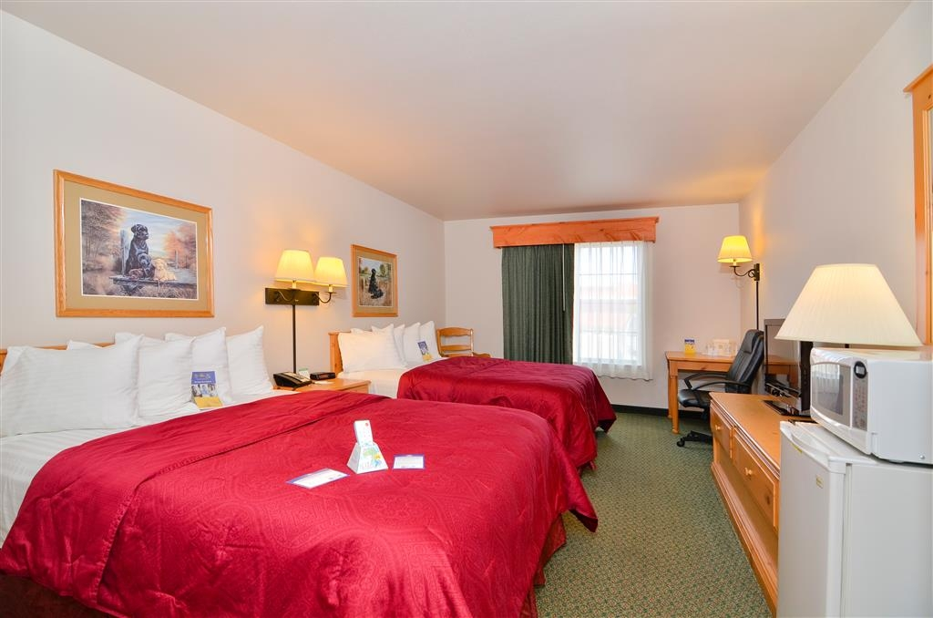 Best Western Yellowstone Crossing - There is plenty of room for four guests in our double queen bedroom.