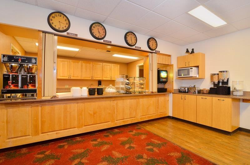 Best Western Yellowstone Crossing - Breakfast Area