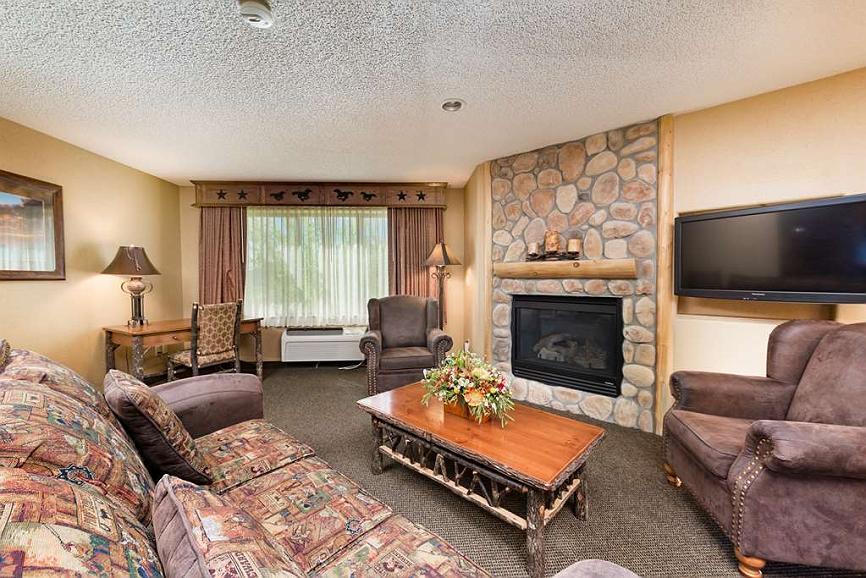 Awesome Hotel In Billings Best Western Plus Kelly Inn Suites Inzonedesignstudio Interior Chair Design Inzonedesignstudiocom