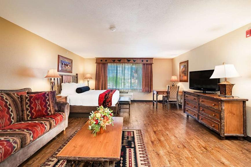 Cool Hotel In Billings Best Western Plus Kelly Inn Suites Inzonedesignstudio Interior Chair Design Inzonedesignstudiocom