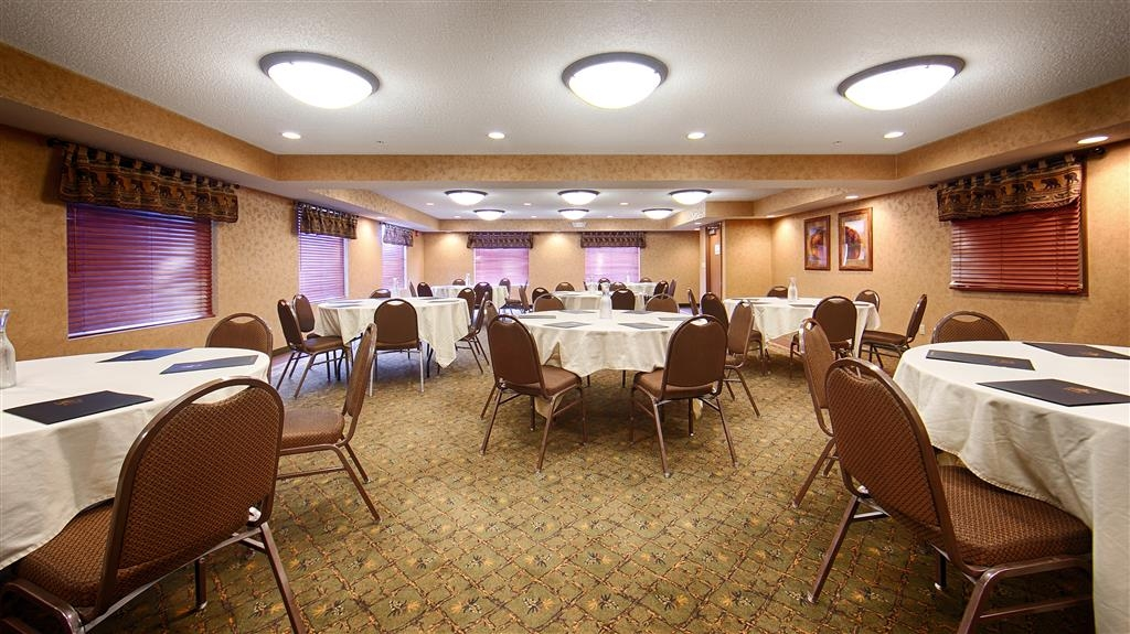 Best Western Plus Kelly Inn & Suites - Sala de reuniones