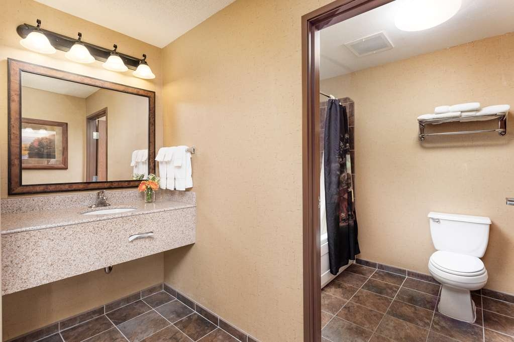 Best Western Plus Kelly Inn & Suites - Suite