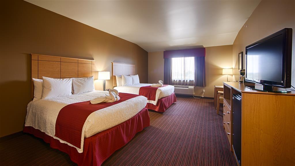 Best Western Golden Prairie Inn & Suites - Double queen bed room.